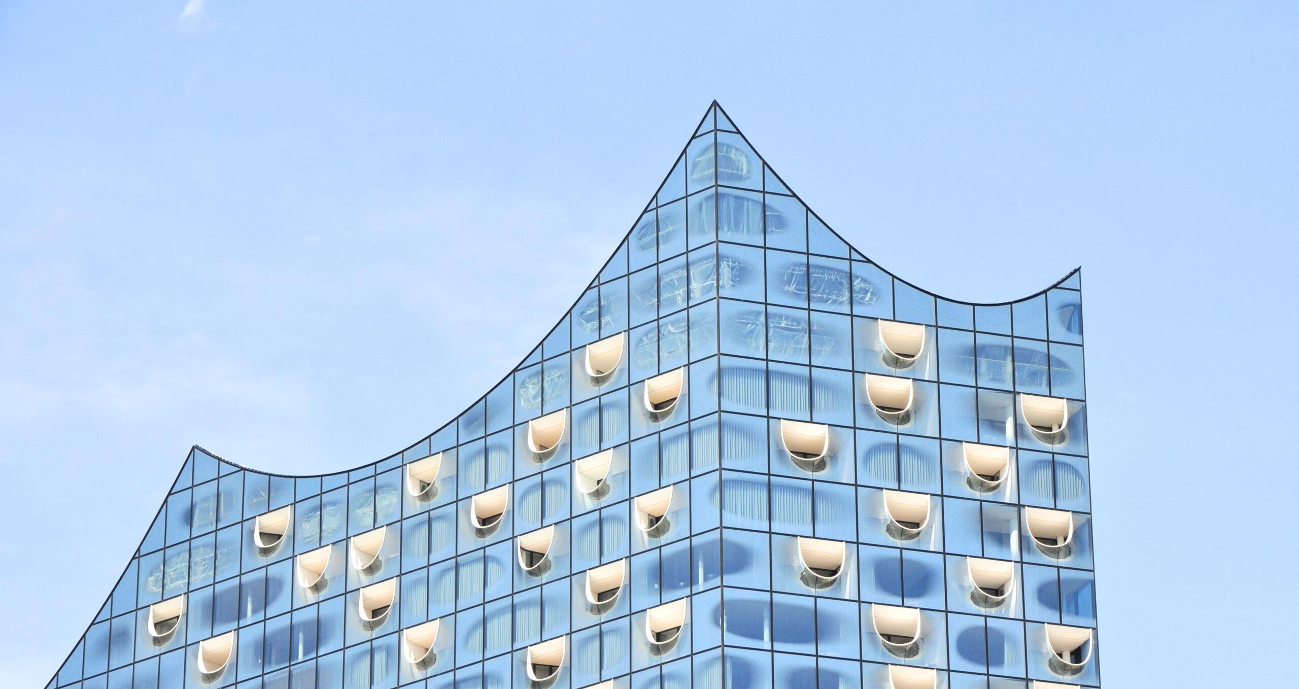 Das Dach der Hamburg Elbphilharmonie in Form eines aufwärts Chart